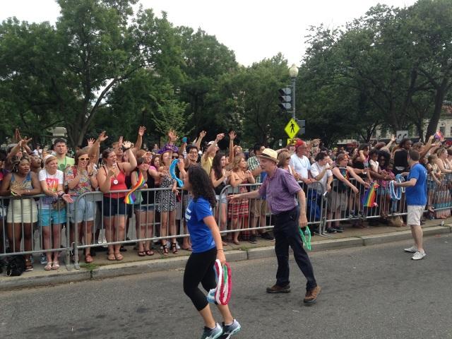 Phil makes his way through Dupont Circle.